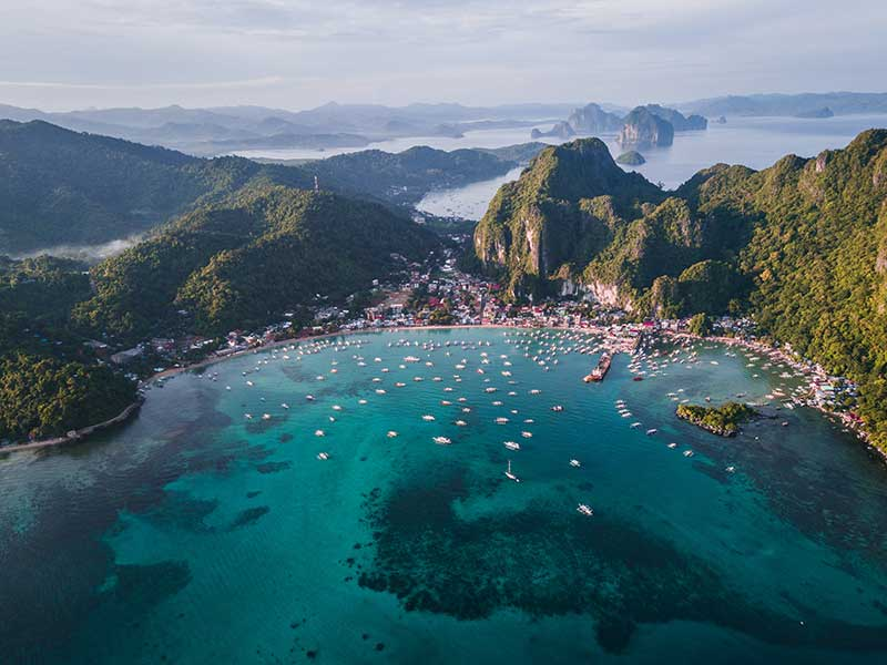 Philippine municipality on Palawan island. It's known for white sand beaches and coral reefs.